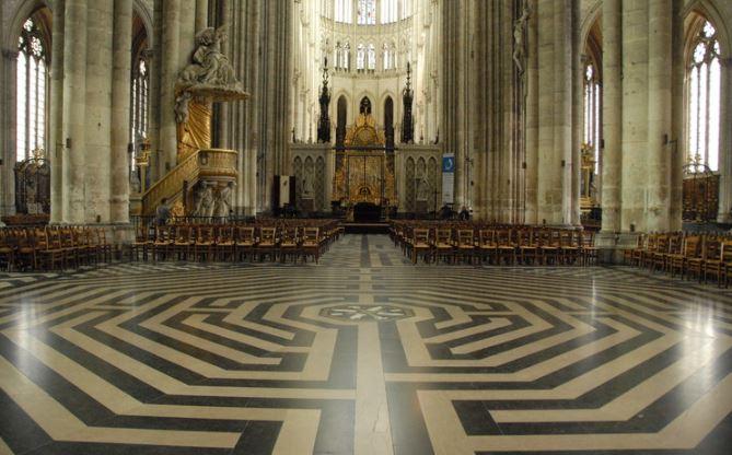 Le labyrinthe de la cath drale d amiens le ciel de leyenda - Architecte d interieur amiens ...
