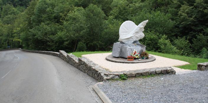 Mémorial érigé sur le lieu de la mort de Fabio Casartelli