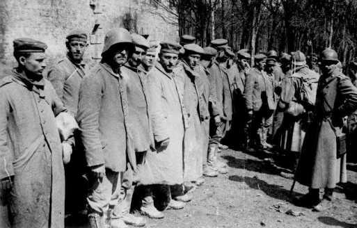 poilus-prisonniers-allemands.