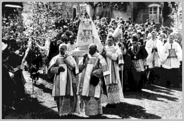 Avioth-procession.