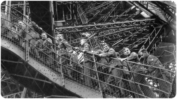 tour-eiffel-occupation